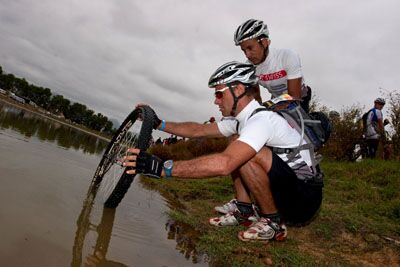 16_MB_Absa_Cape_Epic_2010_1.Tag_Nick_Muzik (jpg)