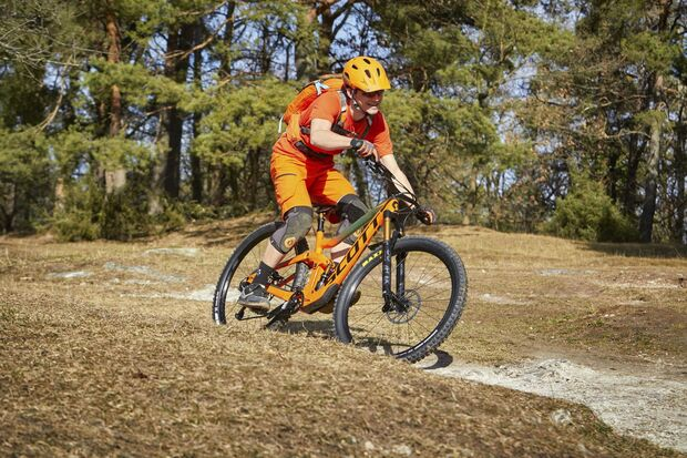 MB 0419 Super Enduro Test Scott Ransom 900 Tuned vs Canyon Strive CFR 9.0 Team MS Bild 5