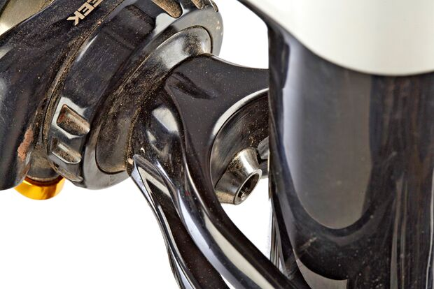 MB-0715-Specialized-Enduro-Expert-Carbon-650B-Detail-DI (jpg)