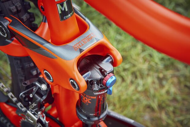 MB-0718-all-mountain-test-giant-detail-1 (jpg)