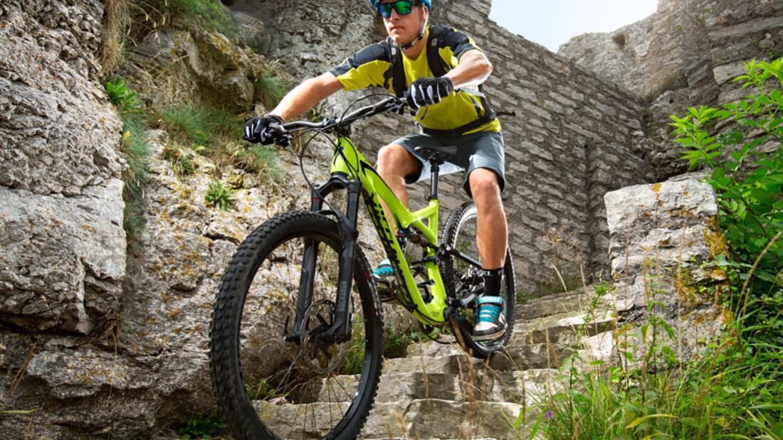 MB-1014-Specialized-Stumpjumper-FSR-Expert-Carbon-650b-DG-001 (jpg)