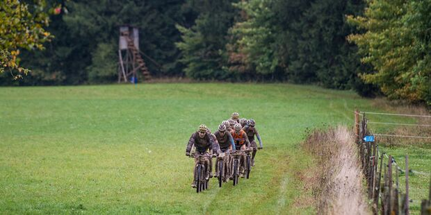 MB_2013_Muensingen_DM_MX_Mennen_leading_forest_by_Kuestenbrueck (jpg)