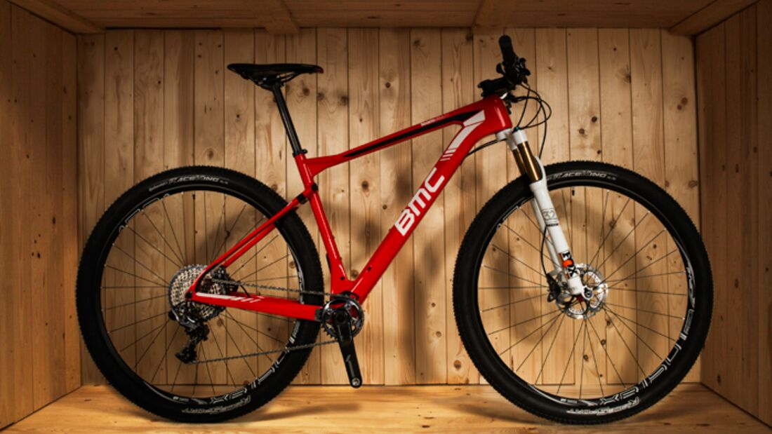 MB_BMC_Teamelite_2016_OLIVERBURGESS_BMC-XC-ZOPEN-BOX-RED (jpg)