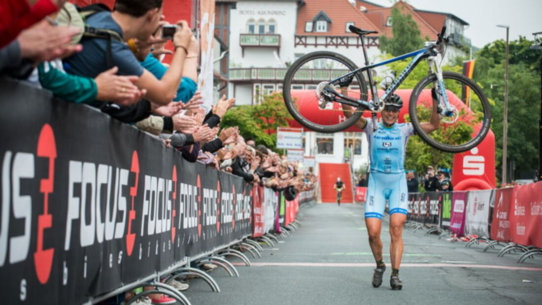 MB_BadSalzdetfurth_DM_XC_Maas_Women_Spitz_finish_bike_by_Maasewerd (jpg)