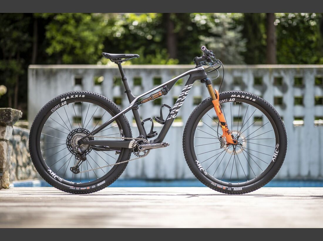 MB Canyon Lux CF 2019 MS Team Replica