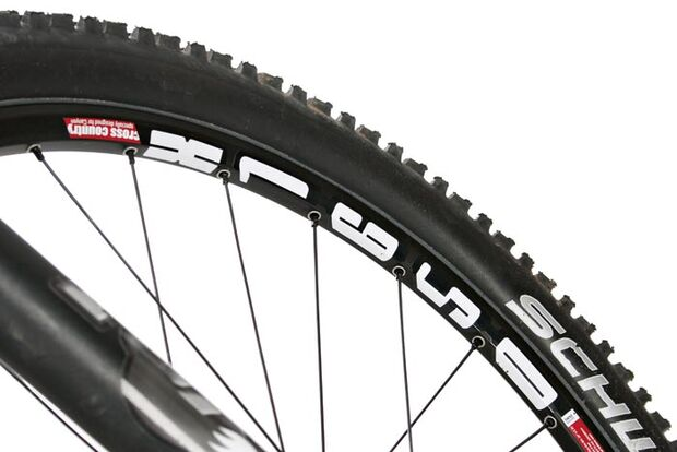 """MB Canyon Nerve XC 8.0 - DT-Laufräder  Schwalbes Nobby Nic 2,25"""""""