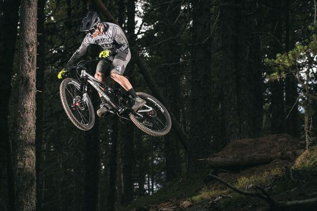 MB-Commencal-Meta-AM-Race-Brushed (jpg)