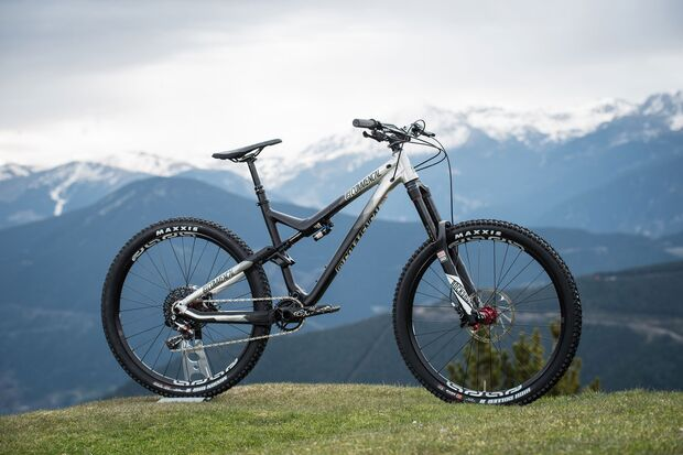 MB-Commencal-Meta-AM-Race-Brushed3 (jpg)