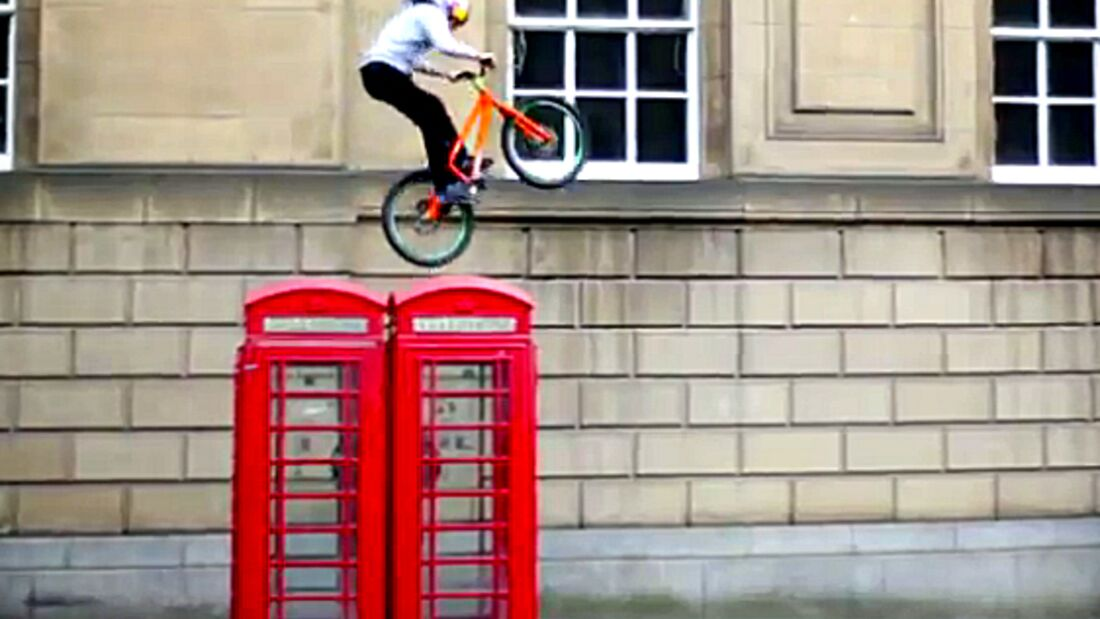 MB Danny MacAskill 2012 Presented by Lezyne Video Teaserbild