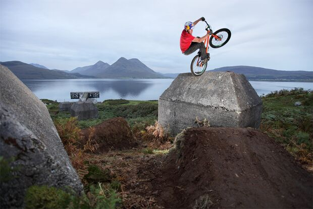 MB Danny MacAskill Way Back Home Teaserbild III