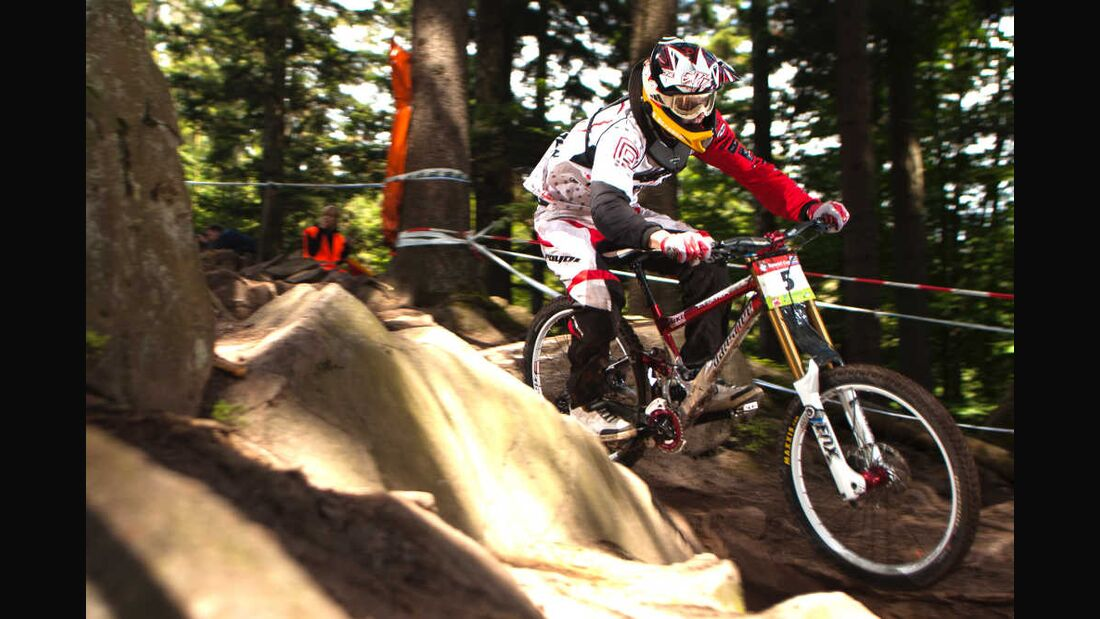 MB Downhill iXS DM Benny Strasser - GDC Bad Wildbad 2011 (jpg)