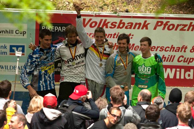 MB Downhill iXS Siegerehrung Elite Men - DM Bad Wildbad 2011 (jpg)