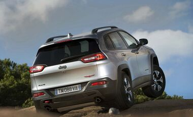 MB-Jeep-Offroad-Special-2014-30-neue-Offroader-24-Jeep-Cherokee (jpg)