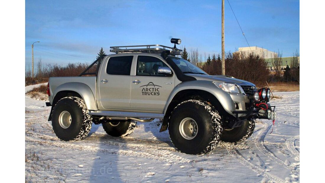 MB-Jeep-Offroad-Special-2014-Pickups-14-Toyota-Hilux-Arctic (jpg)