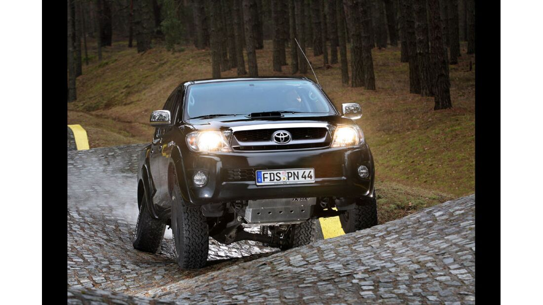 MB-Jeep-Offroad-Special-2014-Pickups-30-Toyota-Hilux (jpg)