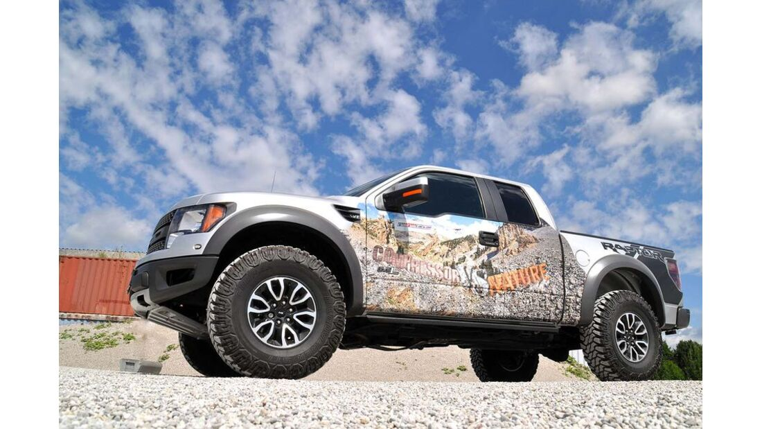 MB-Jeep-Offroad-Special-2014-Pickups-32-Ford-Raptor (jpg)