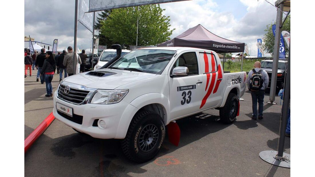 MB-Jeep-Offroad-Special-2014-Pickups-39-Toyota-Hilux (jpg)