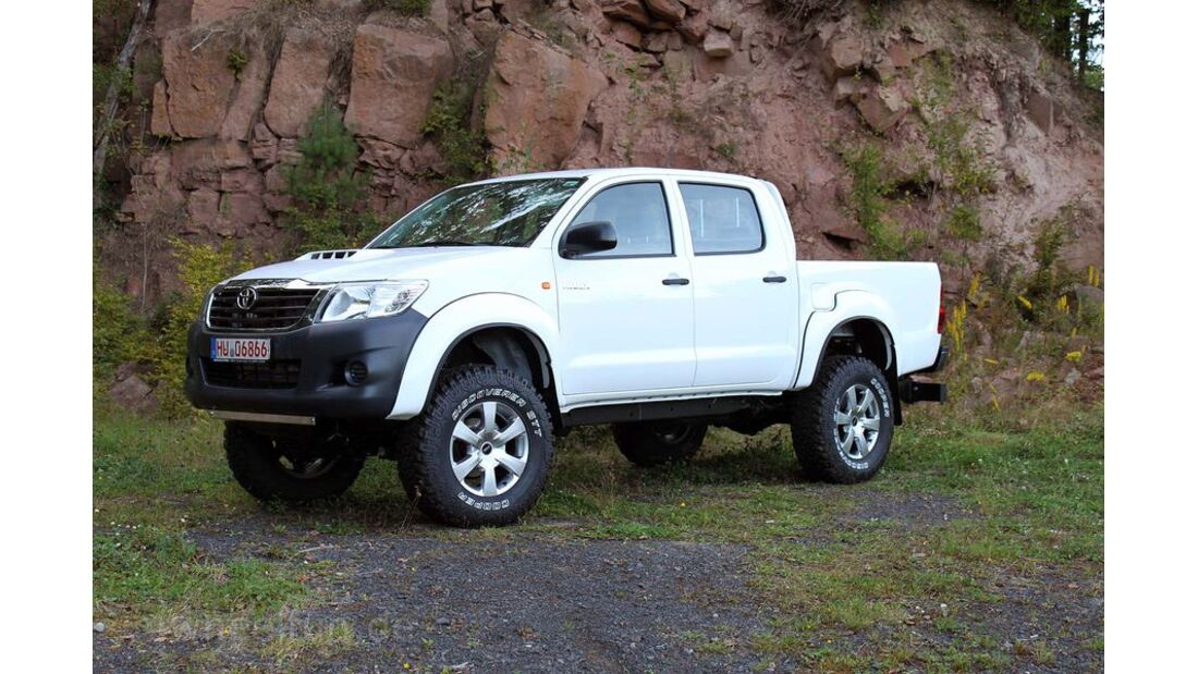 MB-Jeep-Offroad-Special-2014-Pickups-9-Toyota-Hilux (jpg)