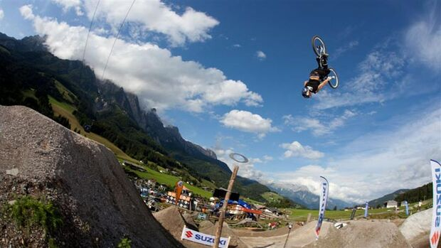 MB_Out_Of_Bounds_2009_Andreu_Lacondeguy_Leogang_by-AleDiLullo (jpg)