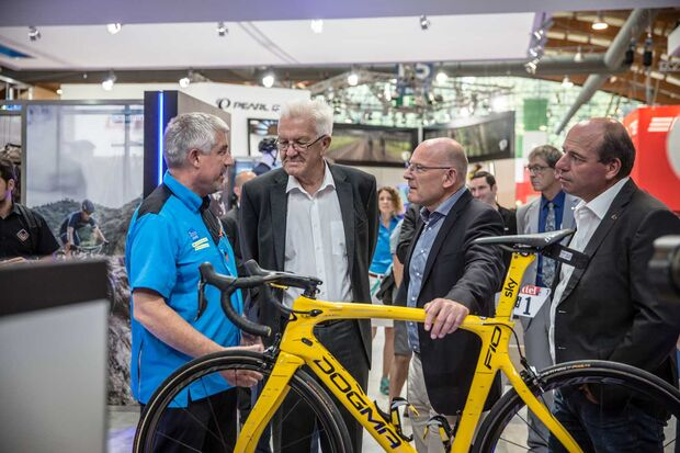 UB Winfried Kretschmann Interview Shimano