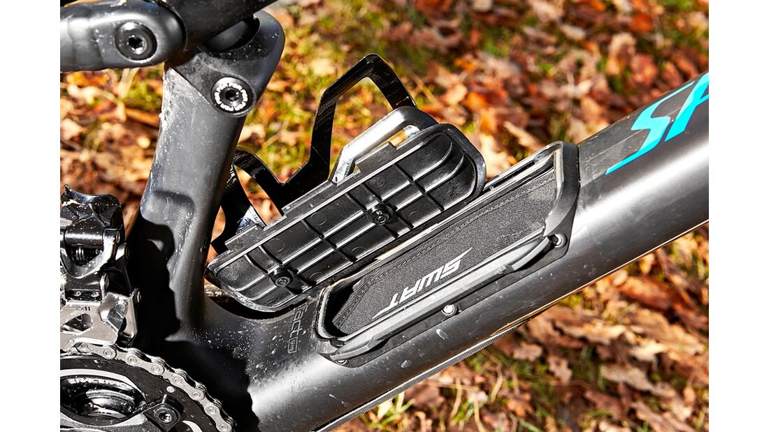 mb-0217-specialized-camber-comp-carbon-29-detail-01-benjamin-hahn (jpg)