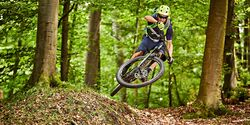 mb-0818-trailbike-test-teaser (jpg)