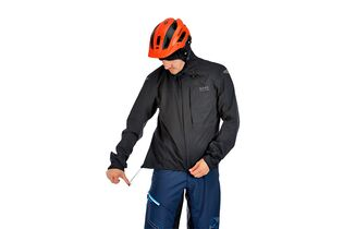 new products 85411 e04c5 Test: Gore Bike Wear Element Gore-Tex Paclite - mountainbike ...