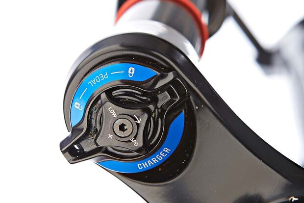 mb-1016-rock-shox-pike-rct3-detail-benjamin-hahn (jpg)
