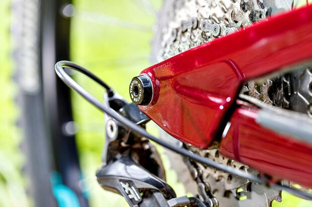 mb-1017-bike-highlights-rocky-mountain-altitude-carbon-70-detail-2 (jpg)