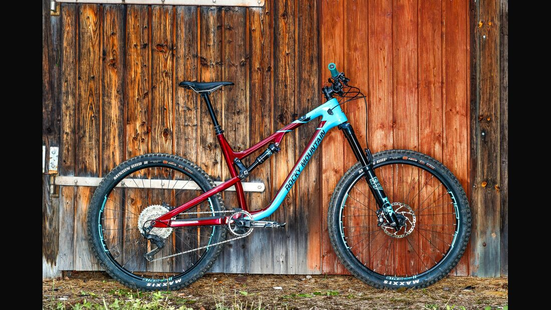 mb-1017-bike-highlights-rocky-mountain-altitude-carbon-70 (jpg)