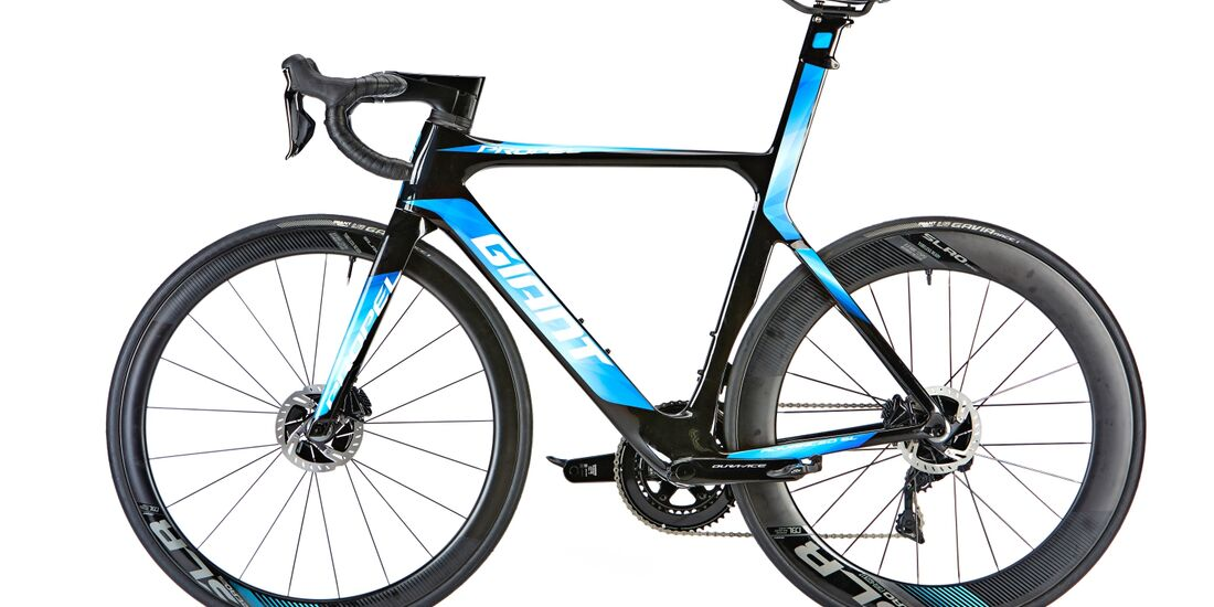 rb-0218-test-geschwister-duell-giant-propel-advanced-sl-disc-freisteller (jpg)